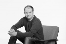 Uwe Schweer-Lambers sitzt